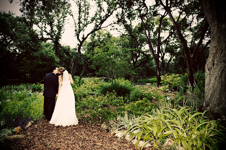 Rainy Day Wedding Photography at Mayfield Park for Karissa and Mike mayfield park wedding photographers austin 014